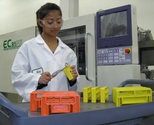 Molding machine with operator